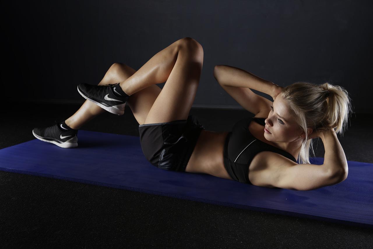 トレーニング 腹筋 女性